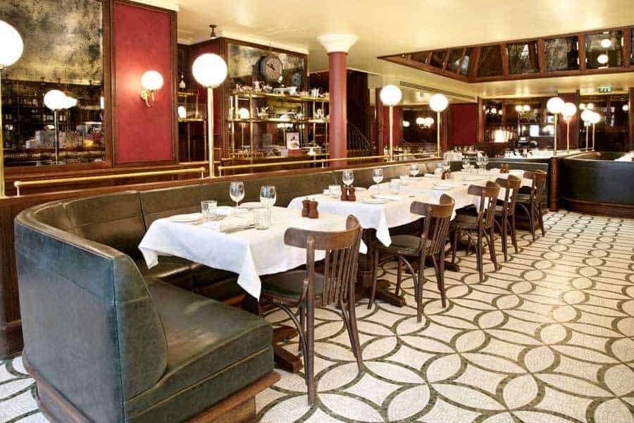 les deux salons accessible west end restaurant with