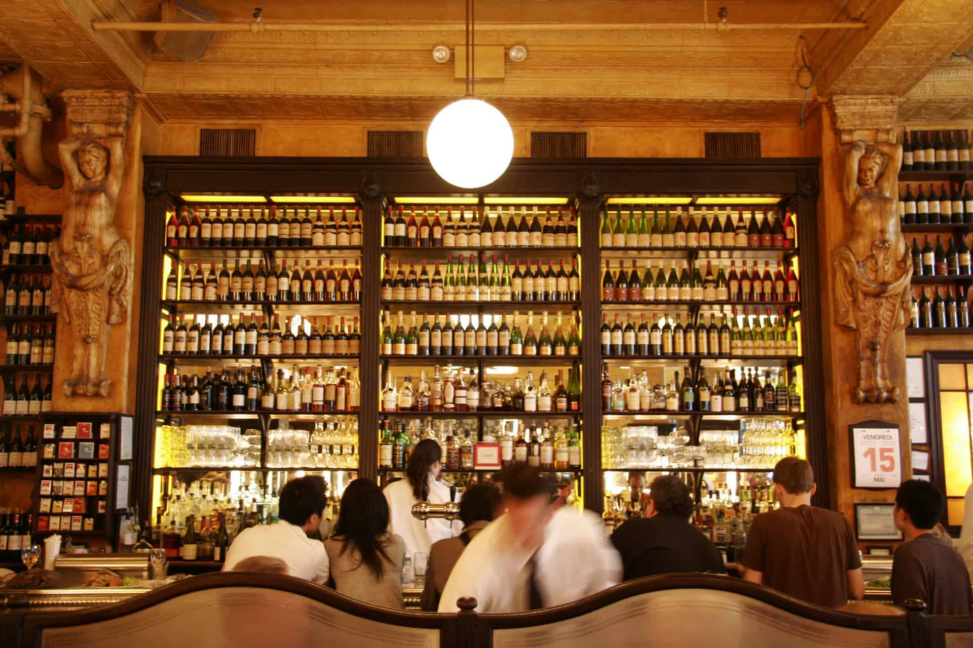 Balthazar new york 39 s era defining restaurant comes to for Food bar russell